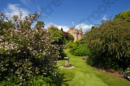 Crathes Castle Gardens fgh0116jhp 