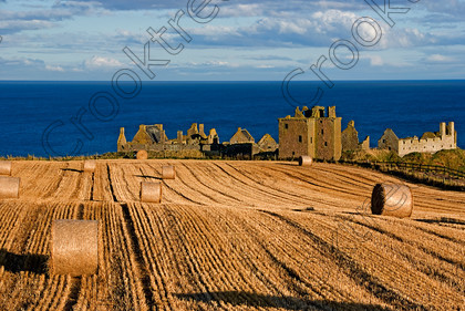Dunnottar Castle Scotland VS2969JHP 
