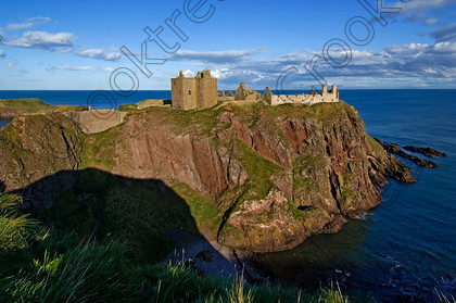 Dunnottar Castle Scotland VS2917JHP 
