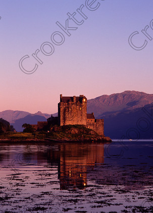 Eilean Donan Evening 121658JHP 